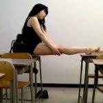 『少女マニアの教師が撮影した教室内スク水着替え映像』少女マニアの教師が教・・・他