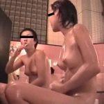 『狙われ続けた女たちの裸体 懲りずに出回る流出映像』|『新アジア古式マッサージ店盗撮 嬲り施術編【四】』他